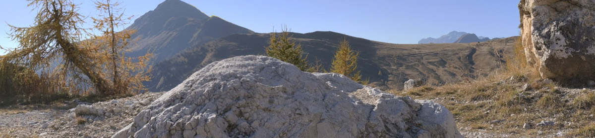 DOSCH HDRI Mountain Backgrounds